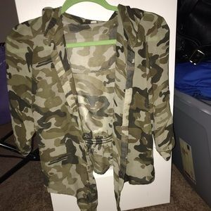 Army button down tie top